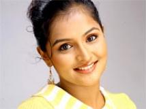 https://www.filmibeat.com/img/2011/04/27-remya-nambeesan-100111.jpg