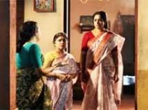 https://www.filmibeat.com/img/2011/04/29-bhakthajanangalude-290411.jpg
