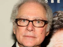 https://www.filmibeat.com/img/2011/05/04-barry-levinson-040511.jpg
