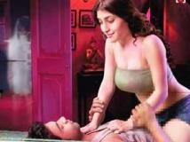 https://www.filmibeat.com/img/2011/05/09-ragini-mms-090511.jpg