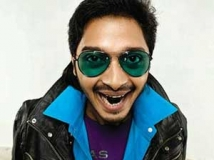 https://www.filmibeat.com/img/2011/05/31-shreyas-talpade-310511.jpg