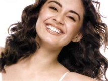 https://www.filmibeat.com/img/2011/06/16-minissha-lamba-160611.jpg