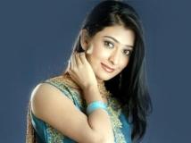 https://www.filmibeat.com/img/2011/06/27-radhika-pandit-270611.jpg