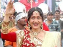 https://www.filmibeat.com/img/2011/08/30-bharathi-vishnuvardhan.jpg.jpg