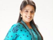 https://www.filmibeat.com/img/2011/09/30-nikita-karthi-300911.jpg