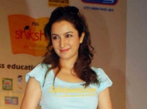 https://www.filmibeat.com/img/2011/11/22-tisca-chopra-221111.jpg