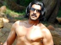 https://www.filmibeat.com/img/2011/12/15-upendra-kalpana-151211.jpg