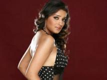 https://www.filmibeat.com/img/2012/01/04-nikita-karthi-040112.jpg