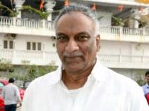 https://www.filmibeat.com/img/2012/07/31-tammareddy-bharadwaja-310712.jpg