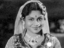 https://www.filmibeat.com/img/2013/03/05-rajasulochana-2.jpg