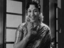 https://www.filmibeat.com/img/2013/03/05-raju-sulochana-01.jpg