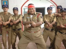 https://www.filmibeat.com/img/2013/03/08-jayaprakash-gangnam-style.jpg