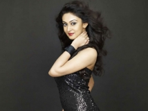 https://www.filmibeat.com/img/2013/03/22-aishwarya-04.jpg