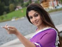 https://www.filmibeat.com/img/2013/04/29-malayalam-actress-nayantara.jpg
