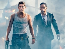 https://www.filmibeat.com/img/2013/07/19-white-house-down-review-0.jpg