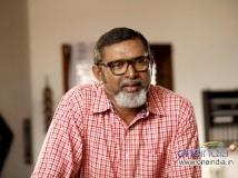 https://www.filmibeat.com/img/2013/08/22-lal-zachariahyude-garbhinikal-01.jpg