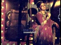 https://www.filmibeat.com/img/2013/08/27-pooja-retro-look-abhinetri-1.jpg
