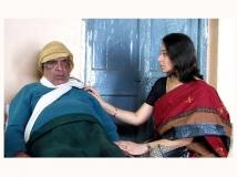 https://www.filmibeat.com/img/2013/10/16-bharat-stores.jpg