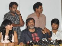 https://www.filmibeat.com/img/2013/12/03-venkatadri-express-success-meet-4.jpg