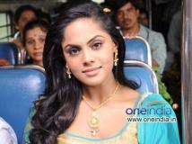 https://www.filmibeat.com/img/2013/12/20-karthika-puram.jpg