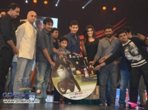 https://www.filmibeat.com/img/2013/12/20-nenokkadine-audio-launch-live.jpg