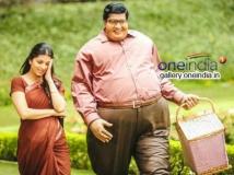 https://www.filmibeat.com/img/2014/03/25-allari-naresh-laddu-babu.jpg
