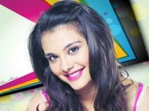 https://www.filmibeat.com/img/2014/05/12-nazia-hussain-aashiqui-2-remake.jpg