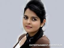 https://www.filmibeat.com/img/2014/06/17-namaste-bali-worth-a-wait-says-roma.jpg