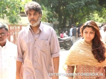 https://www.filmibeat.com/img/2014/06/24-celebs-pay-last-respects-to-director-rama-narayanan-01.jpg