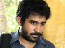 https://www.filmibeat.com/img/2014/10/25-vijay-antonys-next-is-pichaikaran.jpg
