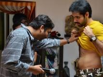 https://www.filmibeat.com/img/2014/11/24-director-shakti-soundar-rajan-sibiraj-naaigal-jaakirathai-movie-shooting-spot-working-images-01.jpg