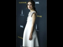 https://www.filmibeat.com/img/2014/12/11-keira-knightley-pregnant.jpg