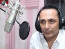 https://www.filmibeat.com/img/2015/02/13-1423802643-rahul-bose-dubs-in-kannada-for-niruttara-1.jpg