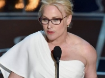 https://www.filmibeat.com/img/2015/02/24-1424769747-patricia-arquette-oscar-speech-women-of-color.jpg