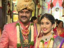 https://www.filmibeat.com/img/2015/05/20-1432101612-manchu-manoj-pranathi-reddy-wedding.jpg