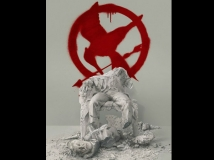 https://www.filmibeat.com/img/2015/06/03-1433309690-hunger-games-mockingjay-part-2-poster-pic.jpg