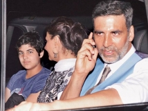 https://www.filmibeat.com/img/2015/09/15-1442311647-akshay-kumars-condition-to-play-a-dads-role-on-screen-is-hilarious.jpg