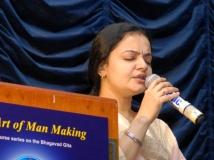 https://www.filmibeat.com/img/2015/09/20-1442771232-singer-radhika-thilak-passes-away.jpg