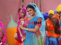 https://www.filmibeat.com/img/2015/12/remya-nambeesen-shares-working-experiences-of-debut-movie-style-king-29-1451368707.jpg