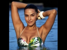https://www.filmibeat.com/img/2016/03/bikini-shopping-neha-dhupia-hunts-for-the-best-bikini-in-fiji1-09-1457503646.jpg