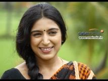 https://www.filmibeat.com/img/2016/07/padmapriya-19-1468933752.jpg