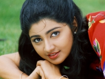 https://www.filmibeat.com/img/2016/08/divya-unni-divorce-reason-16-1471334695.jpg