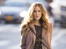 https://www.filmibeat.com/img/2016/11/sarah-jessica-parker-was-scared-to-cook-her-first-thanksgiving-meal-30-1480505264.jpg
