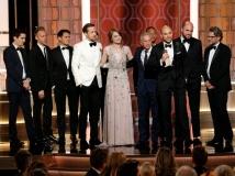 https://www.filmibeat.com/img/2017/01/golden-globe-awards-2017-la-la-land-creates-record-with-most-golden-globes-awards-09-1483956846.jpg