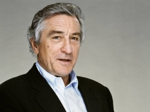 https://www.filmibeat.com/img/2017/01/robert-de-niro-pens-letter-in-support-of-meryl-streep-s-golden-globe-speech-13-1484293132.jpg