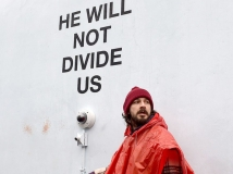 https://www.filmibeat.com/img/2017/01/shia-labeouf-arrested-by-police-during-anti-trump-protest-27-1485517286.jpg