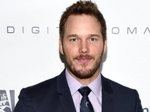 https://www.filmibeat.com/img/2017/04/chris-pratt-finds-it-hard-to-live-a-normal-life-after-being-famous-28-1493382875.jpg
