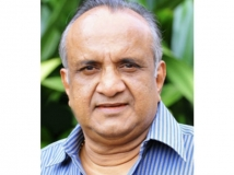 https://www.filmibeat.com/img/2018/05/kalasalababu-1526265673.jpg