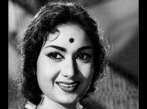 https://www.filmibeat.com/img/2018/12/savitri-1544099923.jpg