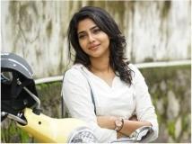 https://www.filmibeat.com/img/2019/02/aishwaryalekshmi-1550640353.jpg